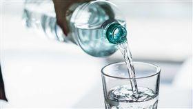 喝水,水杯,杯子(圖/翻攝自pixabay)