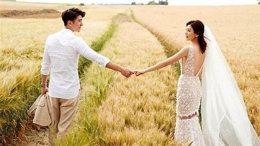 修杰楷賈靜雯將在峇里島補辦婚禮。(圖/翻攝自修杰楷臉書)