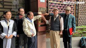 東奧正名,發起人,陳永興(中間戴帽子),楊忠和(右邊戴帽子),北檢,提告,林鴻道。潘千詩攝影