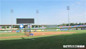 ▲台灣、日本與韓國球隊練球備戰冬季聯盟。(圖/記者蕭保祥攝影)