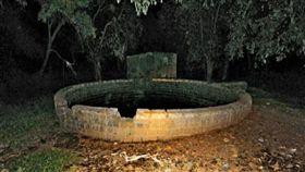 印度,墜井,輕生,孟買,自殺(圖/翻攝自iamgujarat.com)