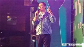 民進黨籍台北副市長陳景峻選前之夜為柯文哲站台(圖/記者李英婷攝)