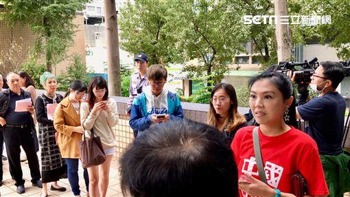 劉樂妍遭警方口頭警告不得再犯,當場嚇傻-1。(圖/記者蔡世偉攝影)