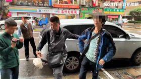 李男在台北車站隨機砍人遭逮(翻攝畫面)