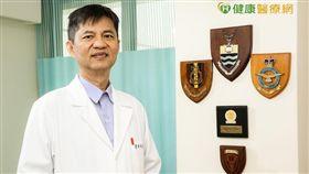 台北中山生殖醫學中心主治醫師李世明表示,子宮肌瘤如生長於子宮腔內或體積過大,均有可能導致患者不孕。