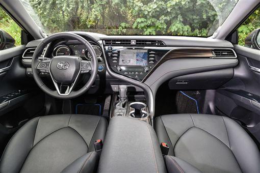 Toyota Camry Hybrid(圖/車訊網)