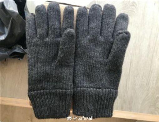 大陸,網購,手套,左手,客服(圖/翻攝自微博)