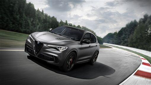 Alfa Romeo Stelvio Quadrifoglio(圖/翻攝網路)