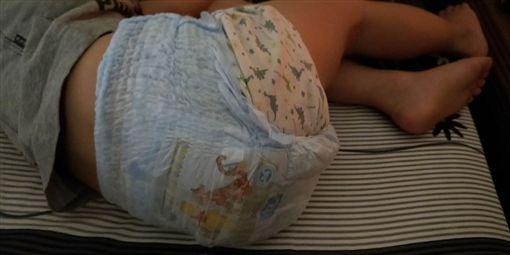 尿布外穿、用衛生棉代替尿布/爆怨公社