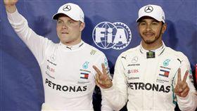 賓士銀箭車隊車隊車手雙料冠軍。(圖/Mercedes-Benz提供)
