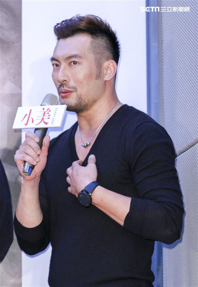 「小美」記者會主演邱隆杰。(記者林士傑/攝影)