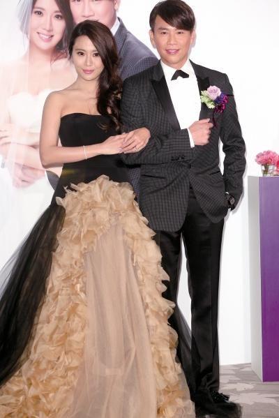 陶喆迎娶小16歲的上億千金江姵蓉。(翻攝臉書)