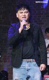 「愛之日常音樂節」歌手桑布伊出席演唱。(記者林士傑/攝影)