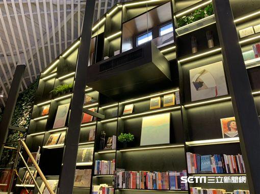 上海快閃書屋。(圖/記者馮珮汶攝)