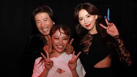 安那表演後與木村拓哉還有林志玲合照。(圖/翻攝自安那ANNA臉書)