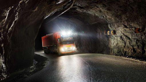 Volvo自動駕駛卡車(圖/翻攝網路)