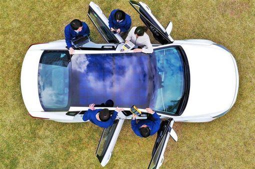 Hyundai太陽能車頂(圖/翻攝網路)
