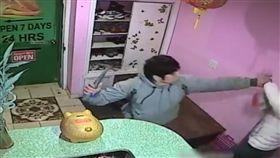 美國,按摩,性服務,錘子,搶錢(圖/翻攝自NYPD 109th Precinct臉書)