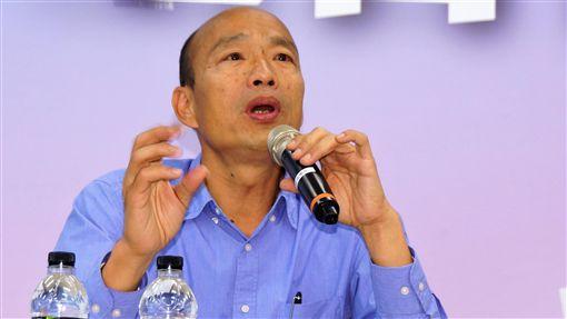 韓國瑜高雄受訪(1)高雄市長當選人韓國瑜29日在高雄接受媒體聯訪,談及市長就職典禮規畫時表示,希望能在愛河畔舉辦就職典禮,把握機會向世界行銷高雄。中央社記者程啟峰高雄攝 107年11月29日