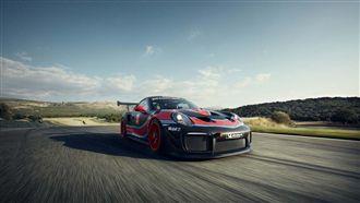 全新700 匹馬力 911 GT2