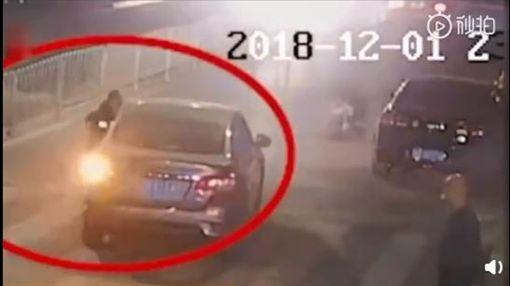 中國大陸,車禍,4歲女童遭輾斃(圖/翻攝自微博)