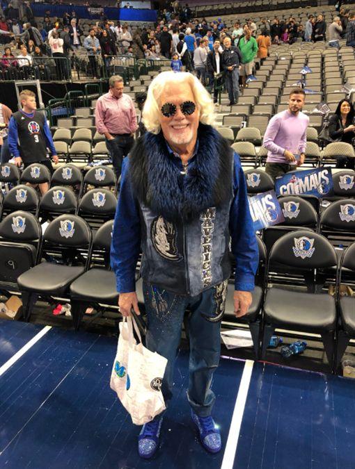 用球砸球迷…聯盟開罰貝弗利77萬NBA,洛杉磯快艇,Patrick Beverley,達拉斯獨行俠翻攝自推特