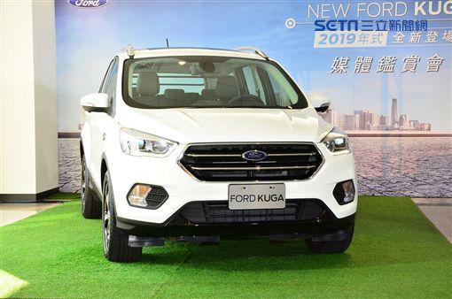 New Ford Kuga環景動勁版。(圖/鍾釗榛攝影)