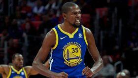罰不怕?勇士杜蘭特再嗆球迷「閉嘴」 NBA,金州勇士,Kevin Durant,罰款,爆粗 翻攝自推特