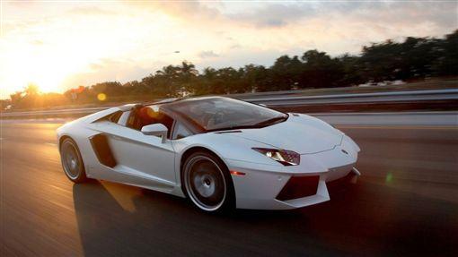 Lamborghini Aventador Roadster(圖/翻攝網路)