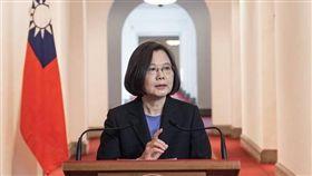 蔡英文迴廊談話,臉書