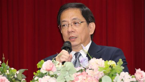 管中閔赴嘉義市議會演講(2)台大校長當選人管中閔(圖)8日到嘉義市議會以「台大新價值,台灣新意志」為題演講,他表示,台大的未來,就是建立一個更開放、更具創意的未來大學,引領台灣看見希望。中央社記者江俊亮攝 107年10月8日