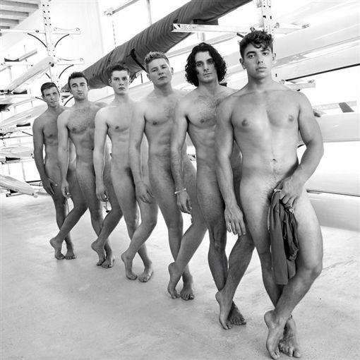 英國華威大學划船隊月曆(圖/翻攝網路)