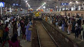 16:9 印度 火車 圖/攝影者M M, Flickr CC License https://flic.kr/p/9bj4q5