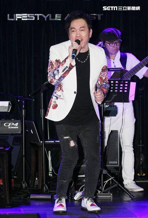 康康《ㄐㄧㄚ ㄐ ㄧ ㄚ ˊㄐㄧㄚˇ ㄐㄧㄚˋ》台語專輯新歌發表簽唱會圖/記者邱榮吉攝影