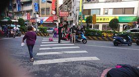 淡水,車禍,闖紅燈,斑馬線,三寶(圖/翻攝自細說淡水臉書)