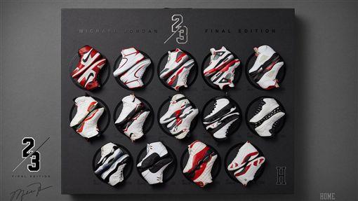 ▲喬丹公仔附贈1到14代喬丹鞋。(圖/翻攝自ENTERBAY臉書)