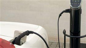 Aston Martin計畫將1970 DB6 MkII Volante換上電動系統。(圖/翻攝網站)