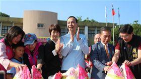 新北市長朱立倫出席大豐國小創校120週年慶祝大會,新北市政府提供。
