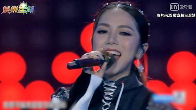 鄧紫棋獲年度女歌手 超炸舞台被推爆