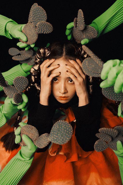 蔡依林全新出輯 挾高人氣來勢洶洶歌手Jolin蔡依林強勢回歸,新專輯Ugly Beauty耗時2年籌備製作,從前一張專輯的霸氣「呸姊」到這次探討陰暗面的「怪美姊」,高人氣來勢洶洶。(凌時差音樂提供)中央社記者江佩凌傳真 107年12月11日