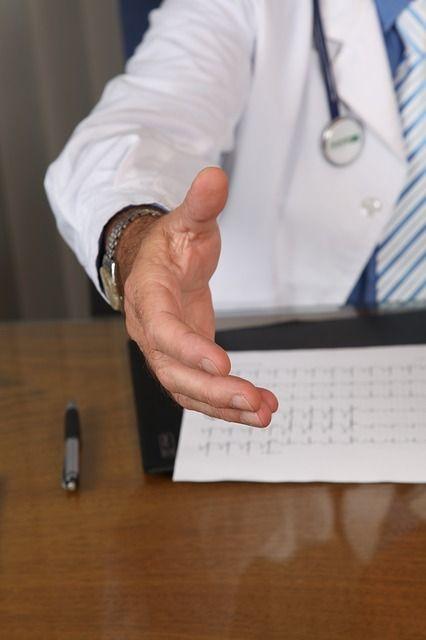 醫師、手術、看診(圖/Pixabay)