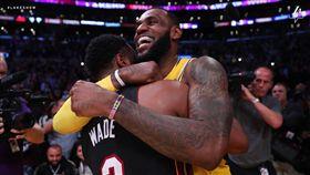 Dwyane Wade與LeBron James(圖/翻攝自湖人官方推特)