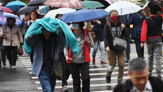 今北台仍濕冷!明回暖 周日下午再變