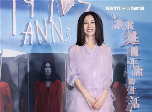 創作精靈歌手白安睽違四年再度發片,第三張全新專輯「1990s」將在12/14發行。(記者林士傑/攝影)