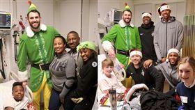 NBA/愛神變裝「精靈」送暖病童  NBA,克里夫蘭騎士,Kevin Love,手術,耶誕節,變裝,愛心  翻攝自Kevin Love IG