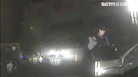 南投男子酒後駕車心虛 倒車給警追/翻攝畫面