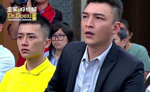 台劇演員安定亞,遭爆與友人打頭呼巴掌,(圖/臉書)