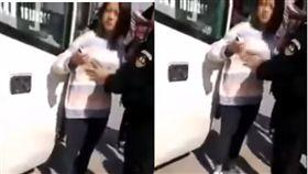 中國新疆特警搜身,竟揉捏年輕女「胸器」。(圖/翻攝自YouTube)