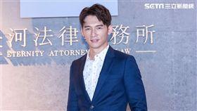溫昇豪在新戲《最佳利益》飾演檢察官。(圖/群之噰提供)