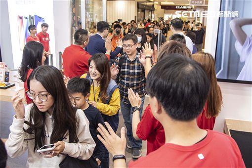 小米台灣,小米高雄夢時代專賣店,小米宜蘭新月店Pop-Up Store,小米實體門市,小米
